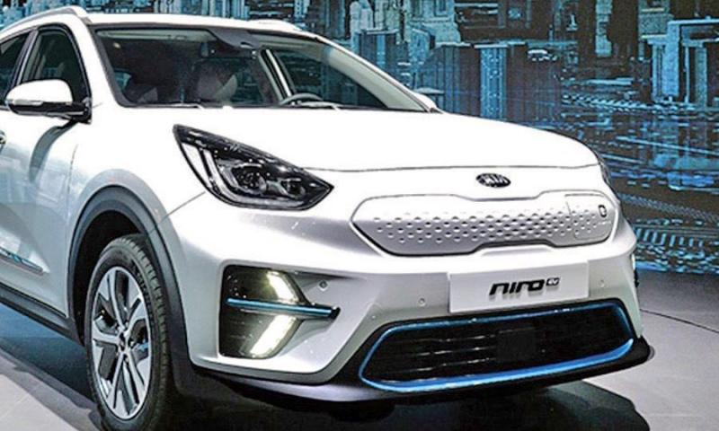 Kia EV crossover looks for sweet spot - Photo
