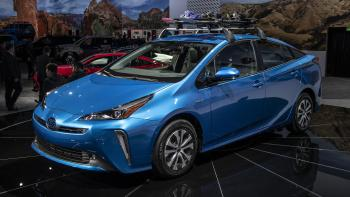 Los Angeles 2018: Toyota unveils Prius AWD-e - Photo