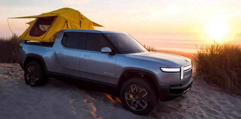 Rivian debuts new US-made electric truck and SUV with 400-mile range - Photo