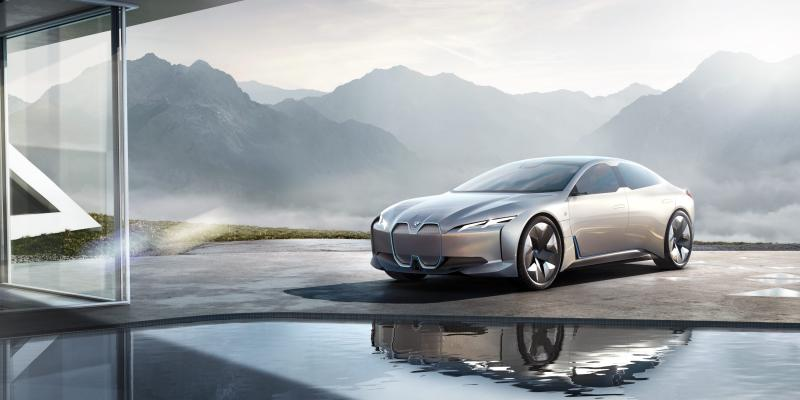 BMW invests over $225 million to bring new i4 electric car to production - Photo
