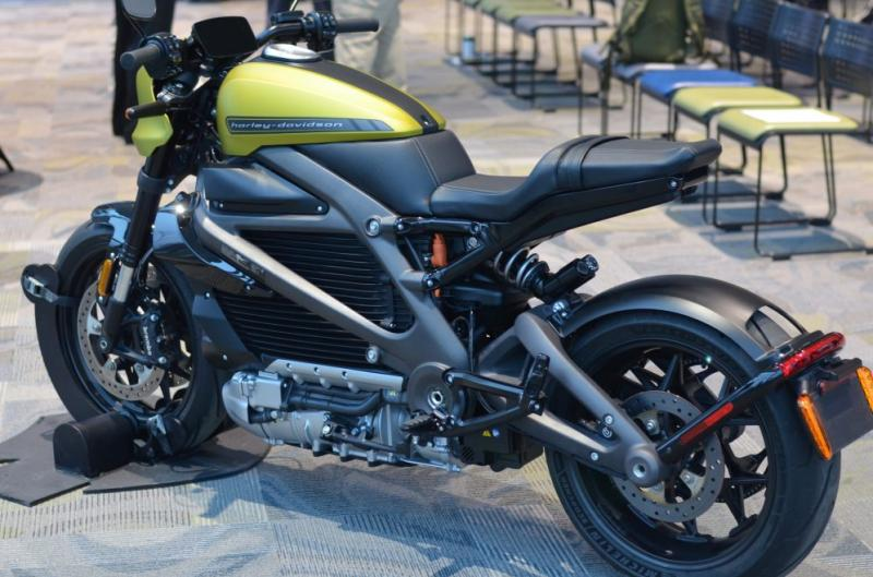 Harley-Davidson unveils Livewire specs and prices, shows off 3 new urban electric motorbikes - Photo