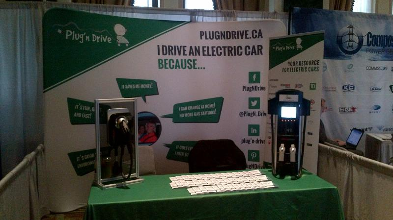 Autochargers.ca a présenté une unité ChargePoint au réunion Plug'n'Drive Enercom à Toronto. - Photo