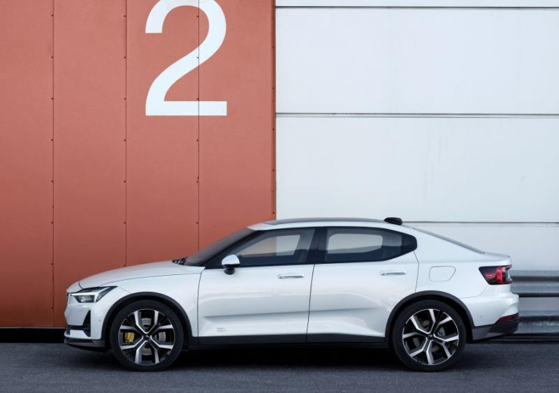 Polestar 2 EV Debuts With Estimated 275-Mile Range - Photo