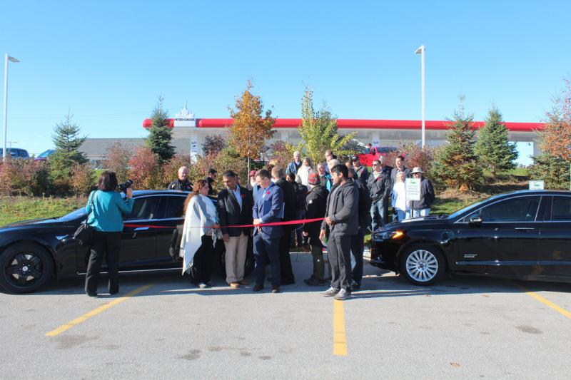 Grand Opening and Ribbon-Cutting Ceremony in Port Seven, Gateway to Muskoka. - Photo