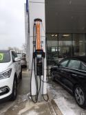 Une station CPF25 et une station CT4025 ChargePoint sont installées à Collingwood Hyundai. Le programme ChargePoint Home Display par Autochargers.ca est mis en effet au concessionnaire aussi. - Photo #3