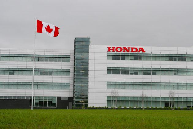 Autochargers.ca est le fournisseur officiel des stations Level 2 ChargePoint pour Honda Canada! - Photo